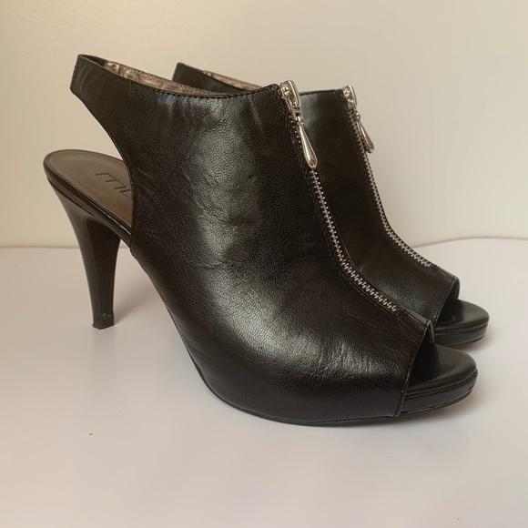 Moda Spana Heels Zip front Leather 9.5